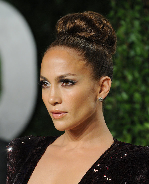 17 Brilliant Updo Hairstyles That Approved By Celebrities Trendynesia